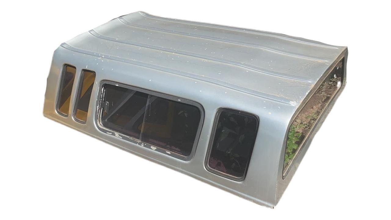 8085 - Capota de Fibra Usada com Janela de Correr para Toyota Hilux ano 2005 - 2015 Cabine Simples (Prata)