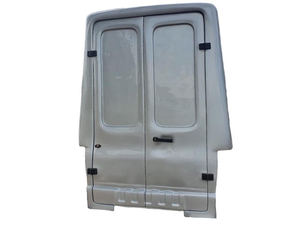 Capota de Fibra Nova Baú com 90 cm Mais Alta que o Teto do Veículo e com 2 Portas Elevadas ao Teto da Capota para Chevrolet Montana Cabine Simples ano 2011 - 2021