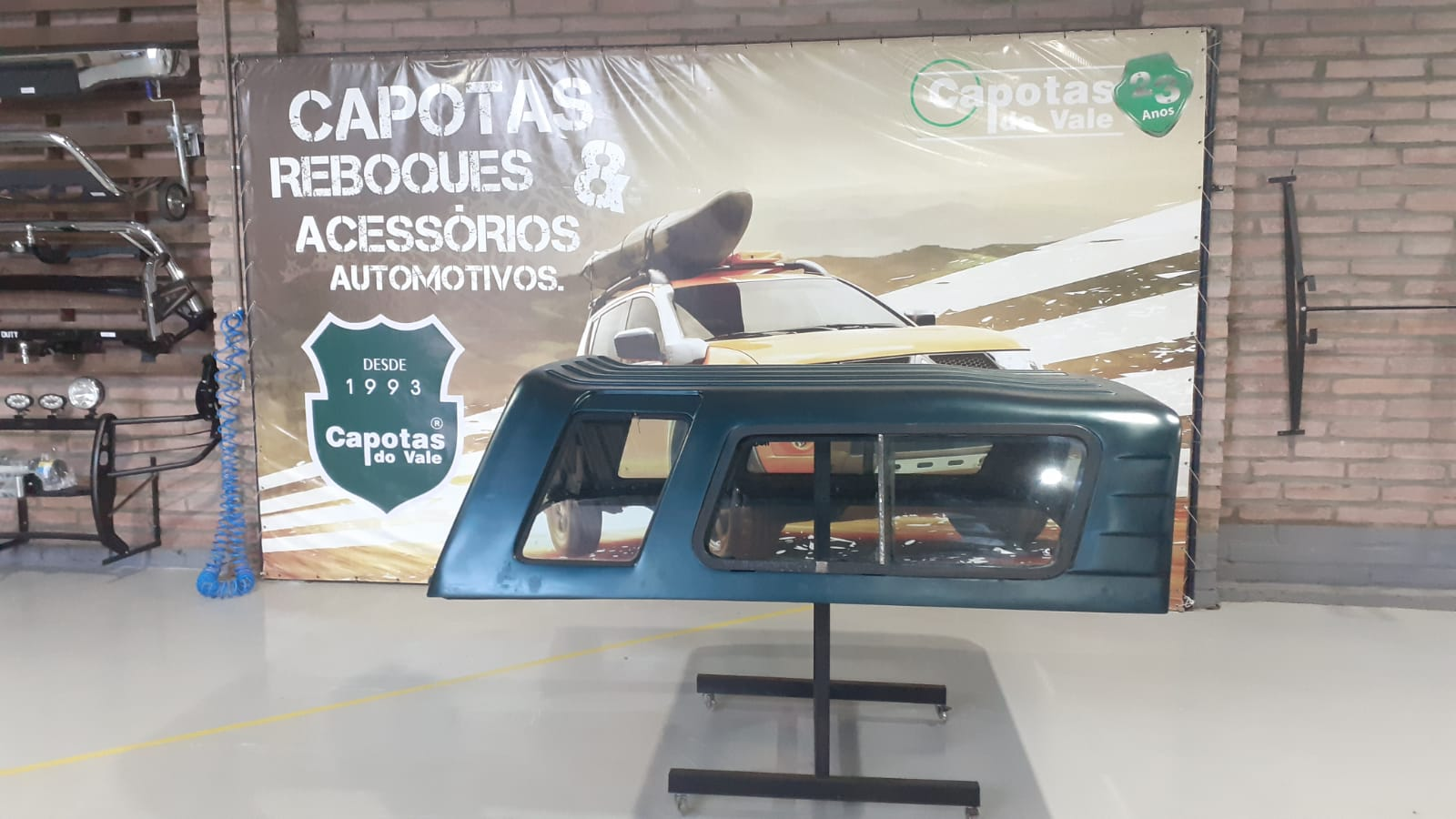 8660 - Capota de Fibra Usada com Janela de Correr para Chevrolet S10 ano 1995 - 2011 Cabine Simples (Verde Escuro)